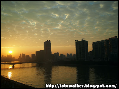 日出珠江 (Sunrise Pearl River)