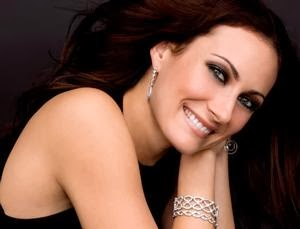 BWW Reviews: Broadway Actress/Singer Laura Benanti Charms Catalina Bar & Grill