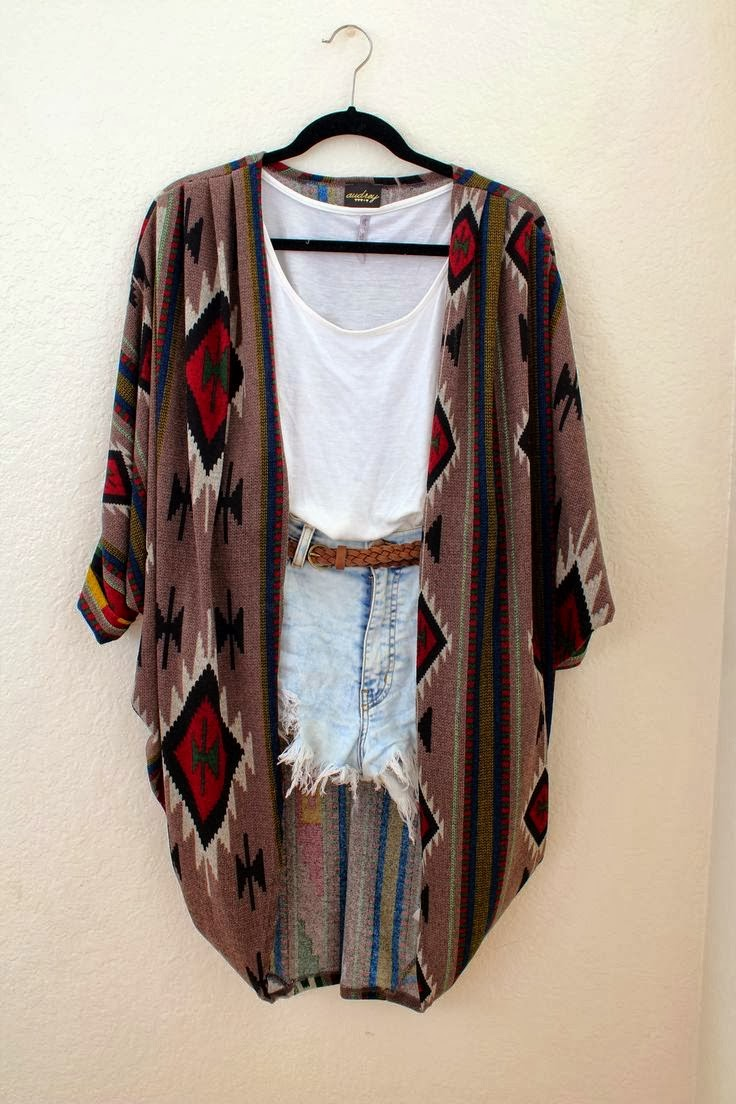 Oversized Comfy Cardigan With Jeans Shorts and T-Shirt