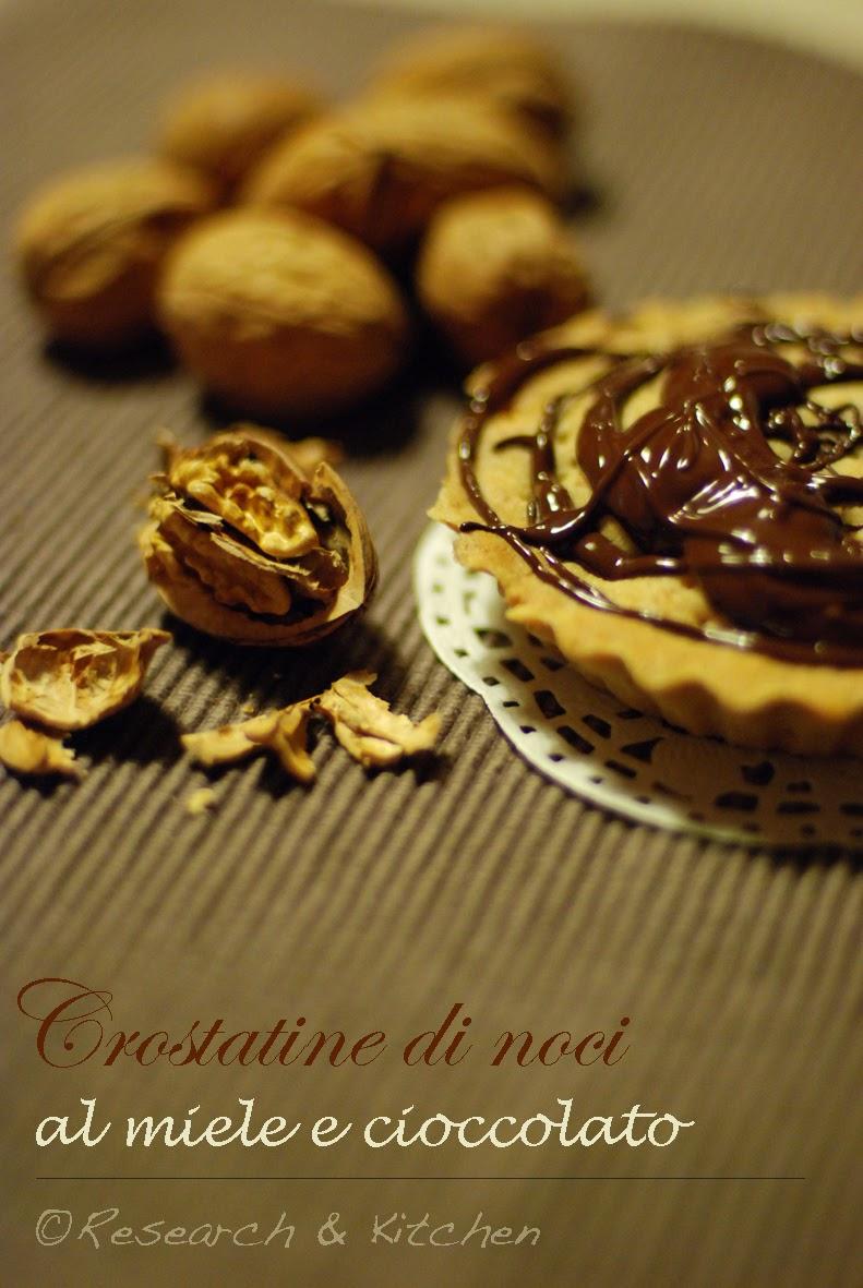 crostatine di noci e miele al cioccolato