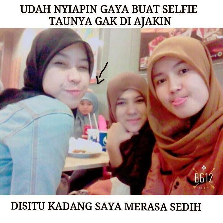 Gaya selfie terbaru