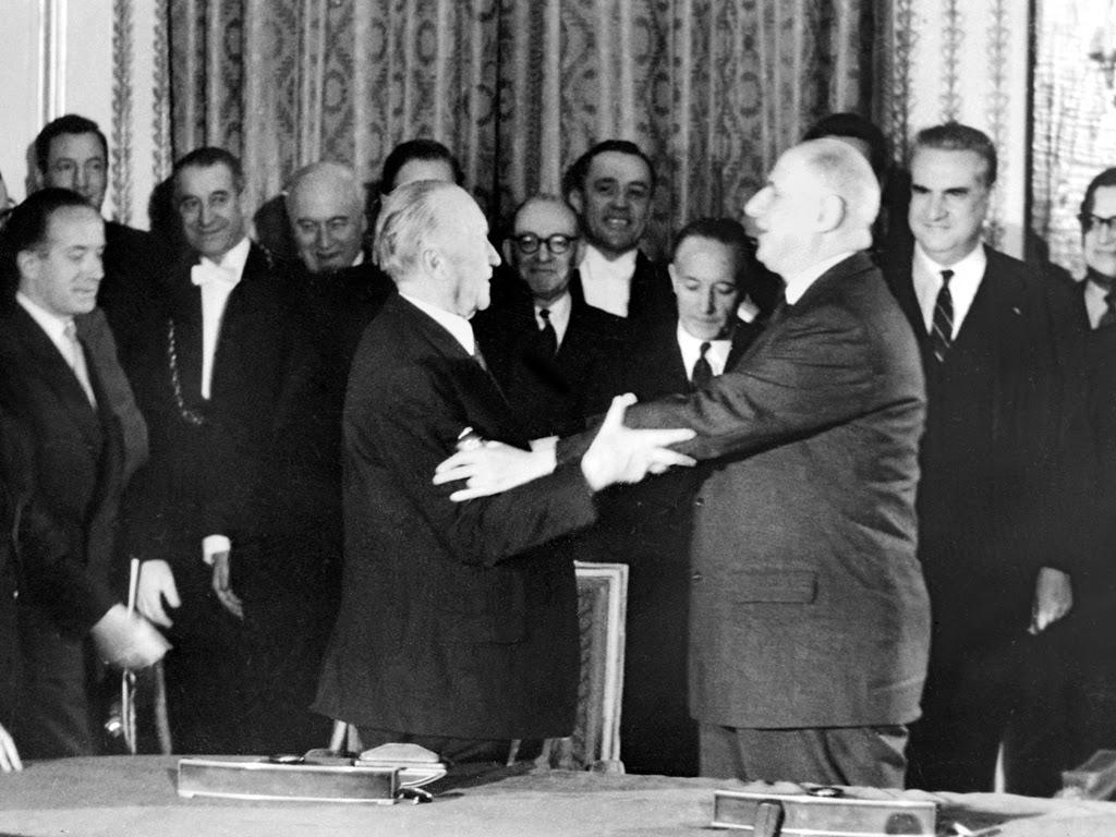 firma del tratado de amistad entre Francia y Alemania de 1963 en el Elíseo
