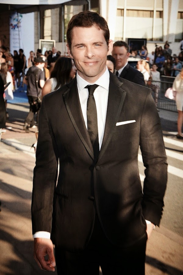James Marsden in Todd Synder linen tuxedo at 2014 CFDA fashion awards