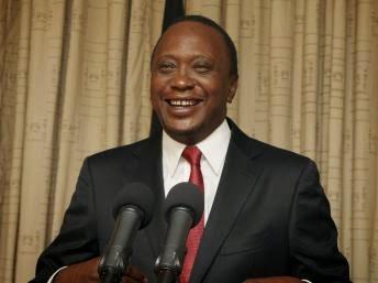 Perezida wa Kenya, Uhuru Kenyatta, yasinye itegeko ryemerera mu mategeko gusezerana n'abagore benshi ashaka nta kugisha inama.