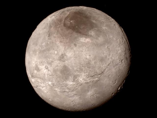 Primeira imagem de Caronte após grande encontro com sonda New Horizons