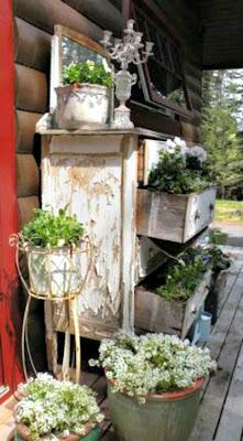 Jardins, móveis antigos