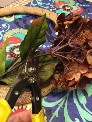 Hydrangeas wreath step 1