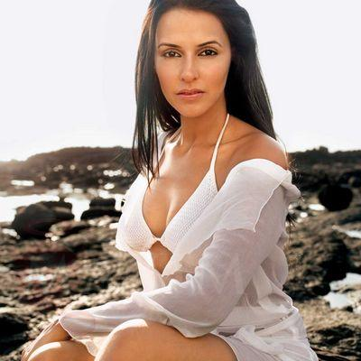 neha dhupia beach bikini photo 03