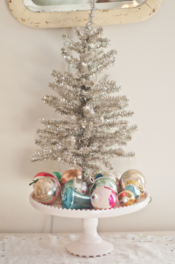 vanessas vintage christmas ornaments decor - Christmas Tree Decorated With Vintage Ornaments