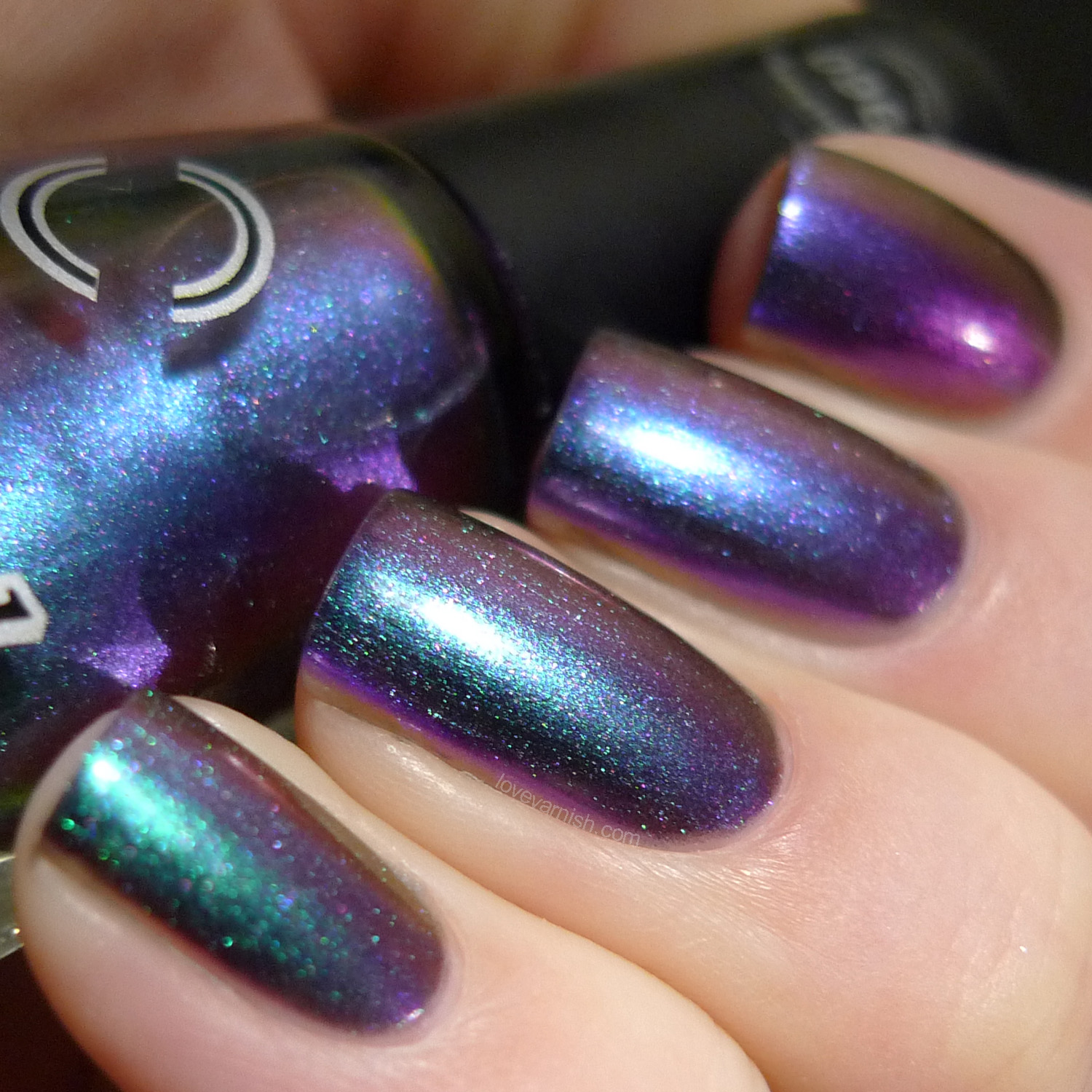 Dance Legend Chameleon Sulley multichrome polish