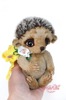 Artist teddy bear friend, teddy hedgehog, artist hedgehog, collectible toy, unique teddy, handmade, ooak teddy, teddies with charm, NatalKa Creations, Igel, Künstlerbär, Kuscheltier, Sammlerstück, Künstlerteddy, тедди с шармом, авторский еж, ежик тедди, ежонок тедди