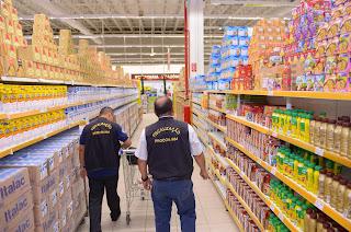 """Procon Amazonas inicia operação """"Natal Legal"""", com fiscalização em centros comerciais de Manaus"""