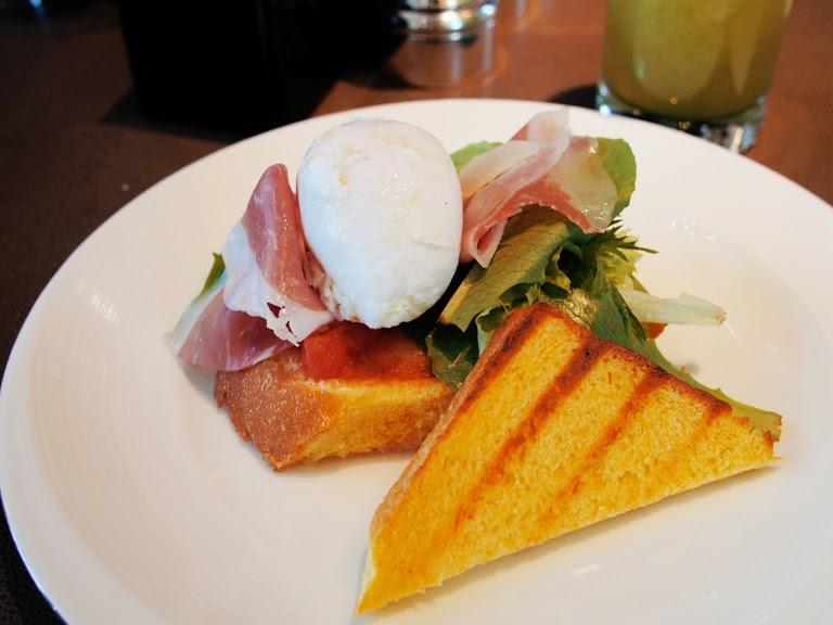 tokyo hotel breakfast