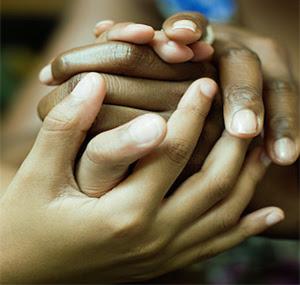 """Satu Tungku Tiga Batu"" Wujud Toleransi Umat Beragama Di Papua"