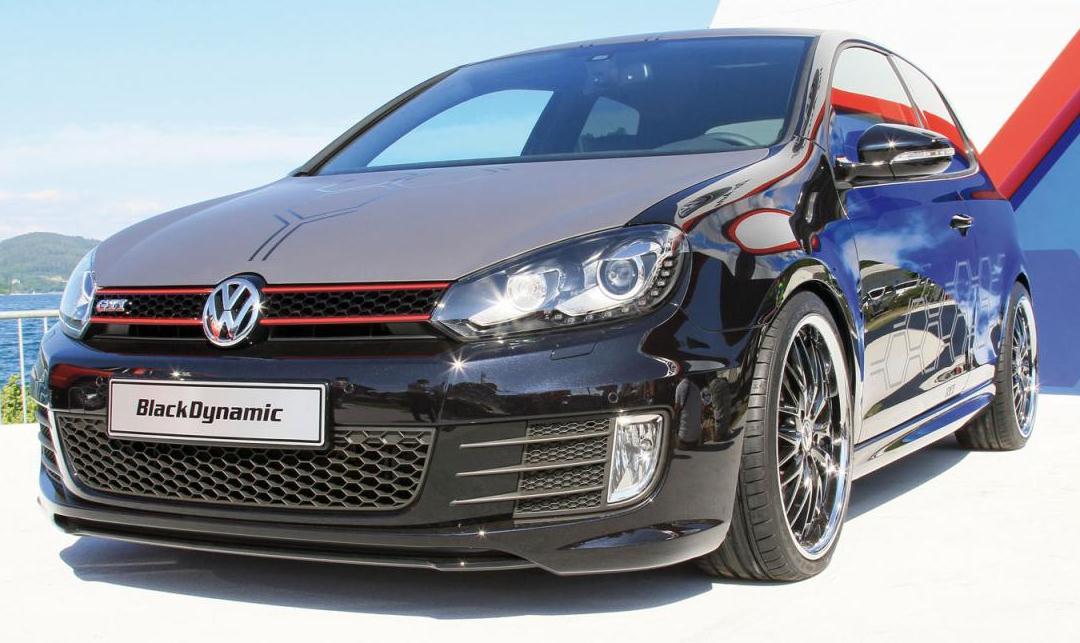 Volkswagen+Golf+GTI+Black+Dynamic+1.jpg