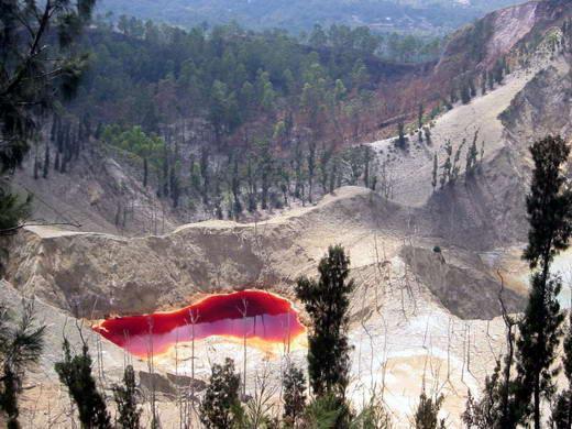 Strange beautifull culture: Kelimutu, 3 Colors Lakes That ...