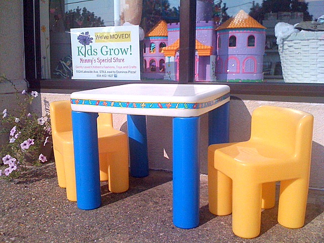 kids grow little tikes table and chairs. Black Bedroom Furniture Sets. Home Design Ideas