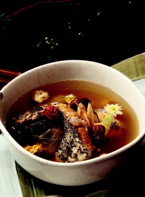 Gastrodia elata milk vetch fish soup