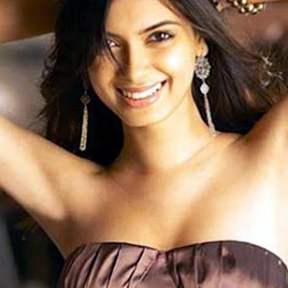 diana penty hot in saree