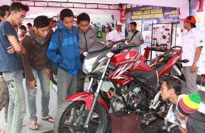 Sepeda Motor Sport Honda Lari Kencang