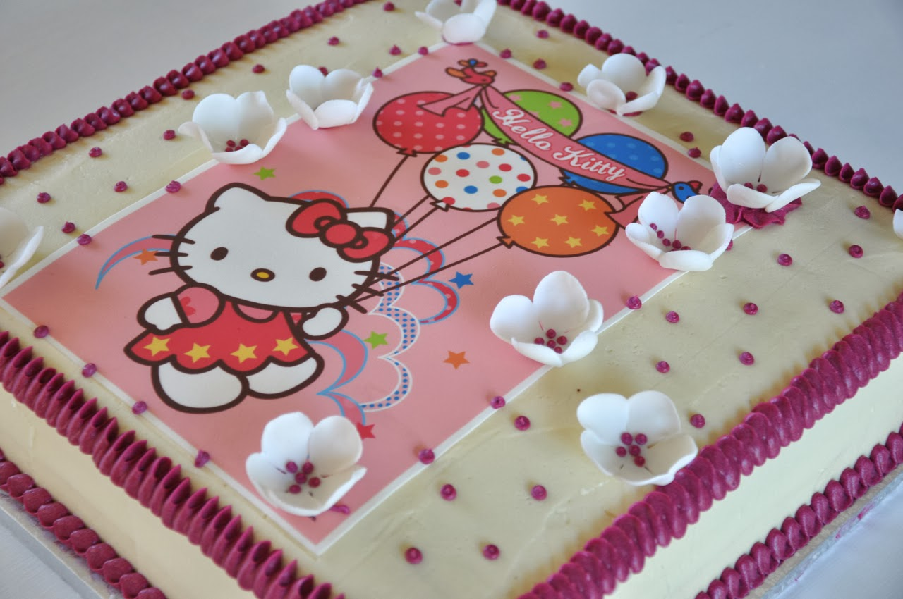 Rozannes Cakes Hello Kitty cake in buttercream frosting