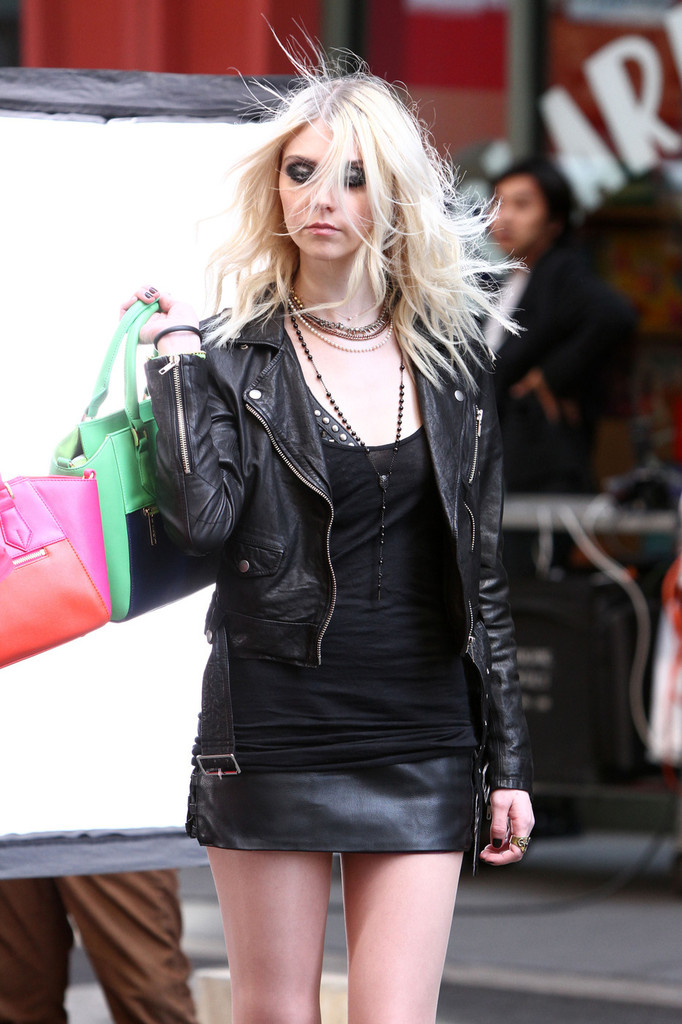 Taylor Momsen Shooting On The Set Of A Music Video In Nyc