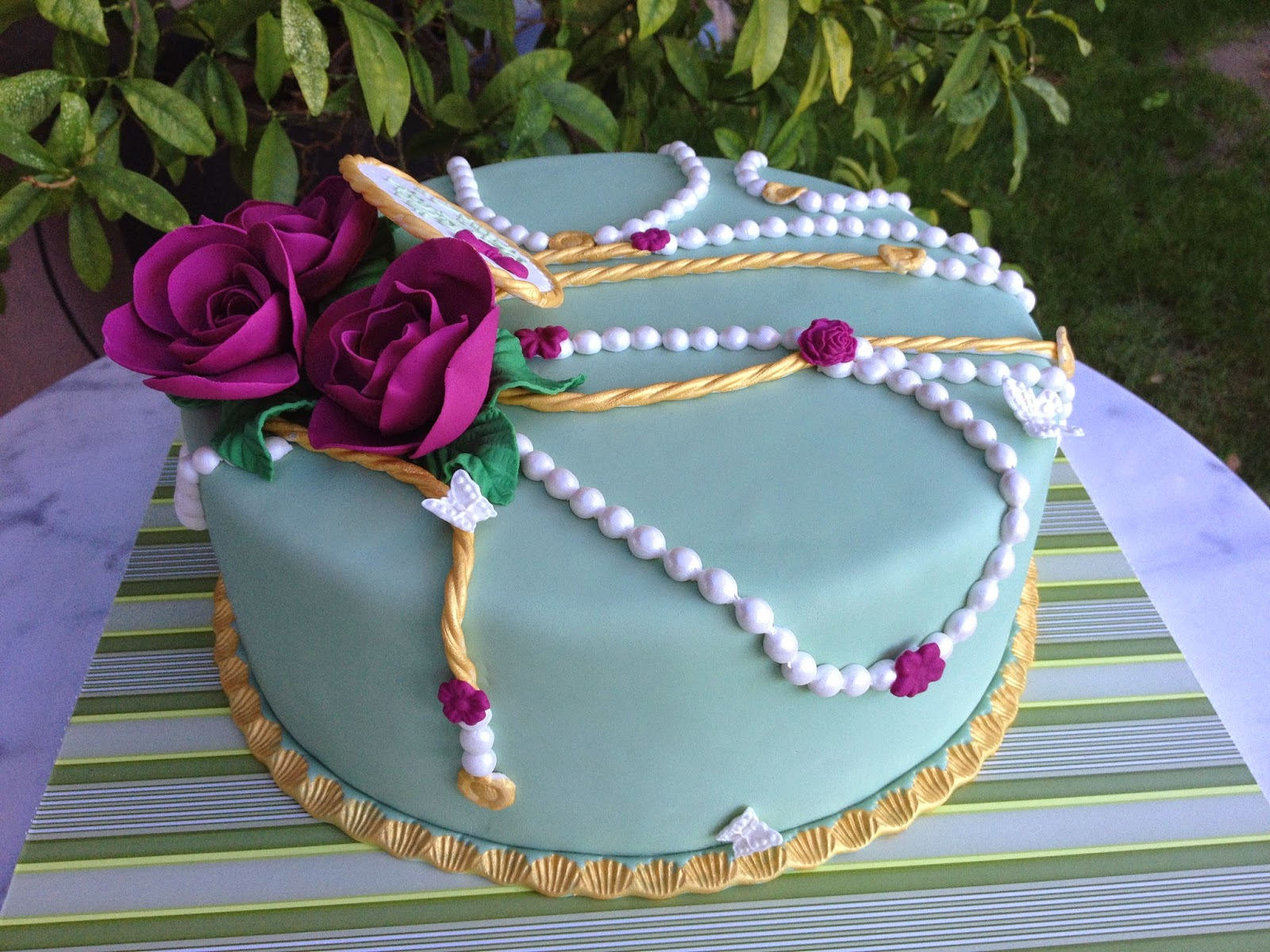 Sugar Chef: SHE'S A JEWEL BIRTHDAY CAKE