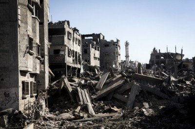 The destruction caused by Israel in the Shujaiya neighborhood of Gaza during July 2014. (Anne Paq /ActiveStills)