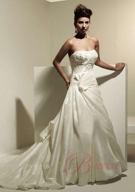 robes de mariage robes de soir e et d coration robe de mari e bustier. Black Bedroom Furniture Sets. Home Design Ideas