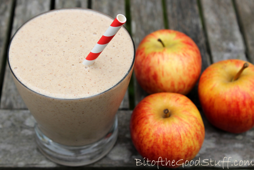 Creamy Autumn-inspired apple, almond and cinnamon smoothie from Bit of The Good Stuff