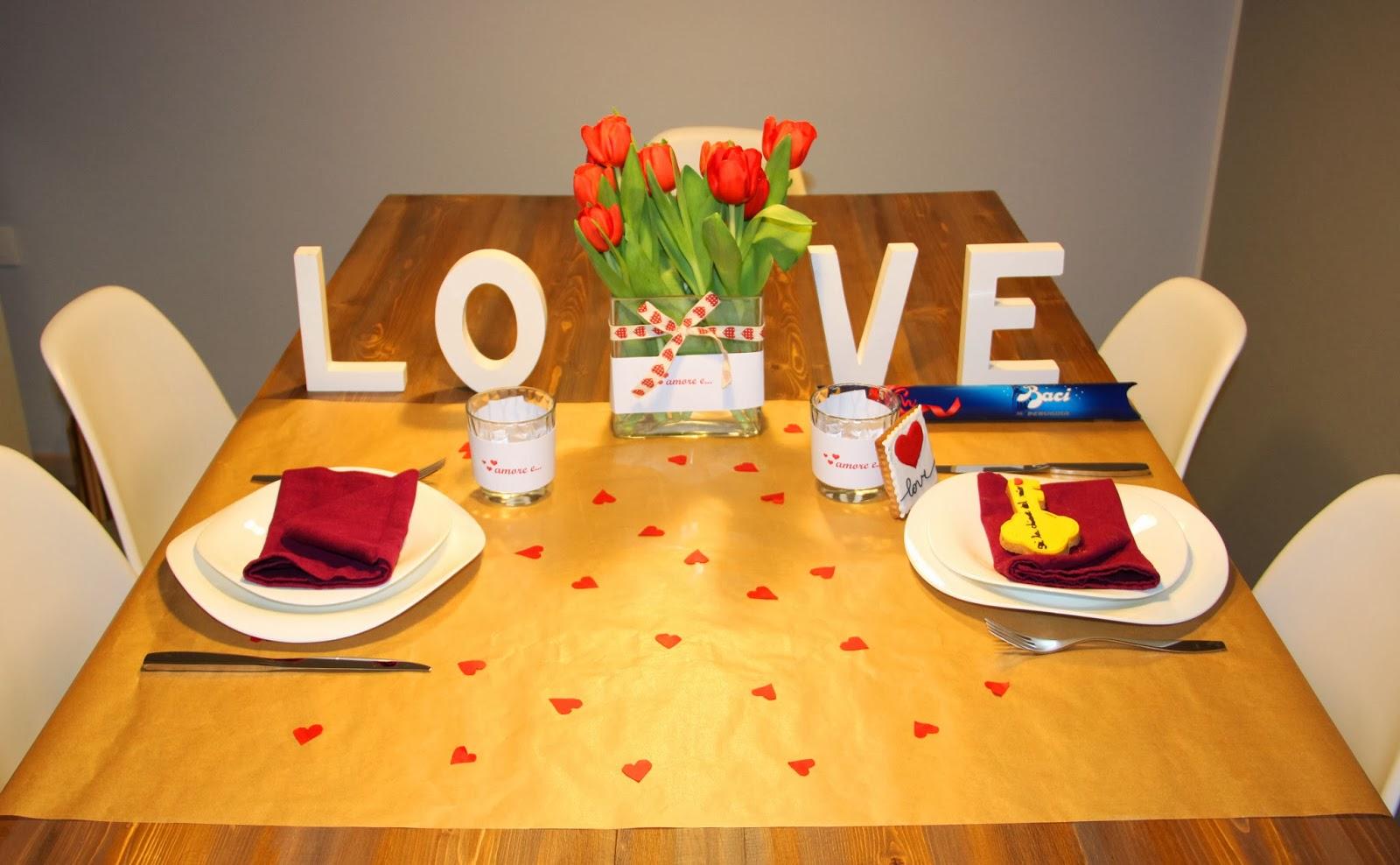 allestimento tavola cena romantica