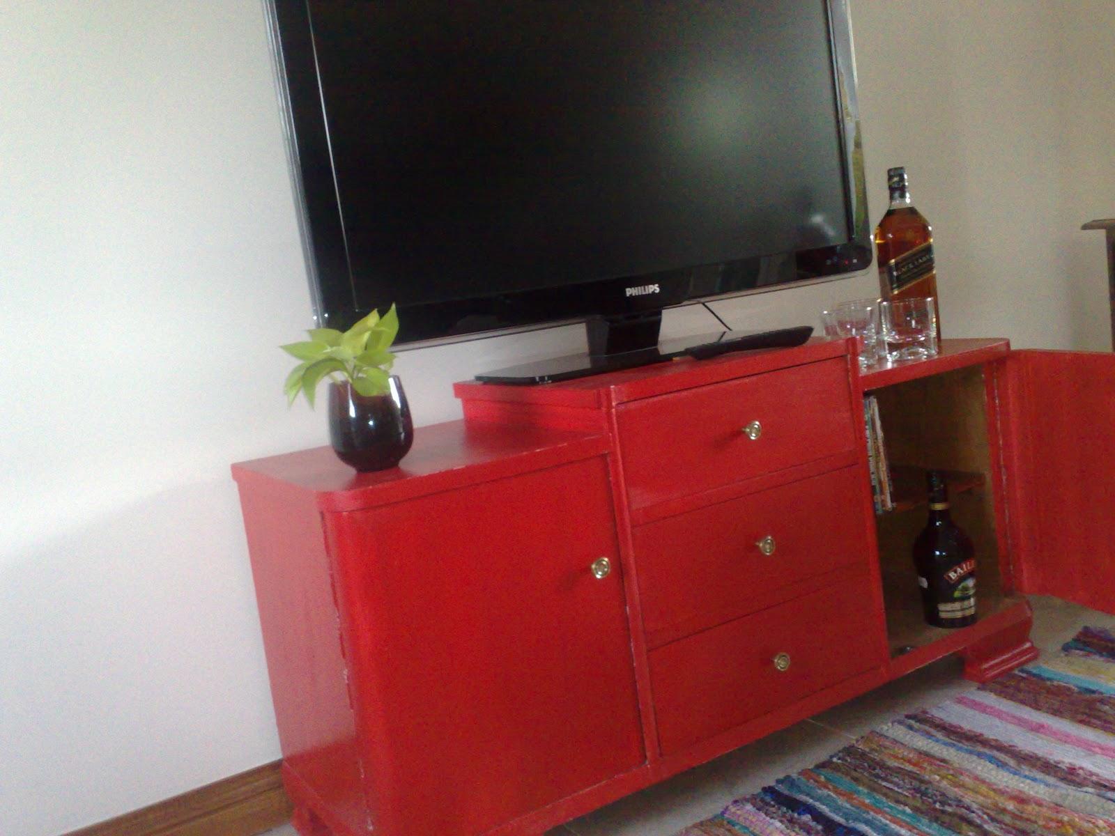Vintouch muebles reciclados pintados a mano mueble rojo justo para el lcd 42 - Mueble salon rojo ...