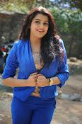 Tashu Kaushik Latest Glamorous Photos-thumbnail-8
