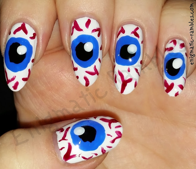 eyeball-nails-nail-art-freehand
