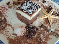 Jednostavan kolac sa krom, filom i cokoladnim prelivom
