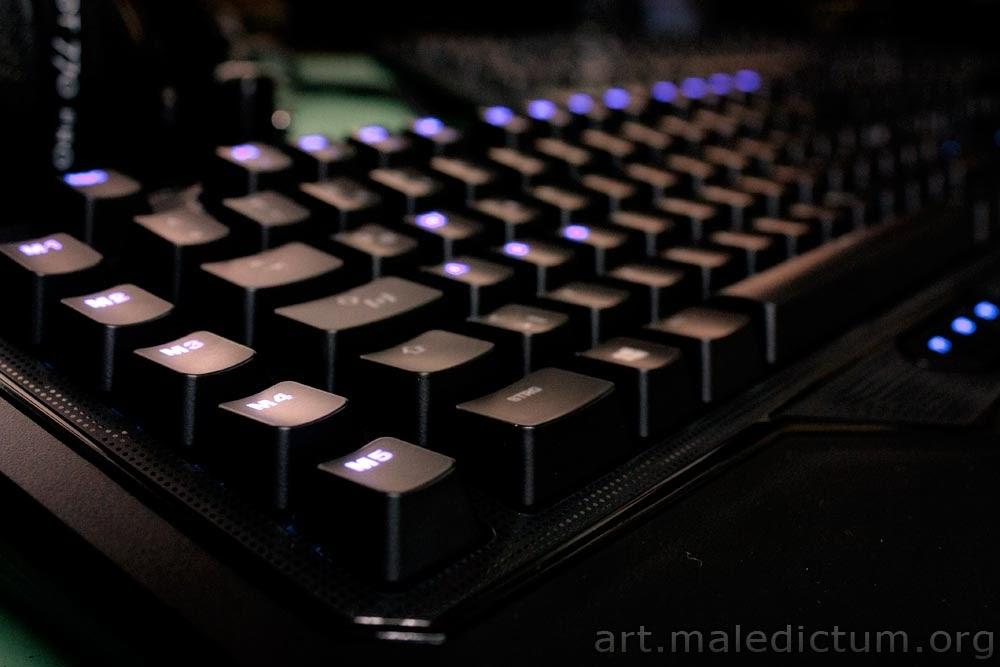 Игровая клавиатура Roccat Ryos MK pro