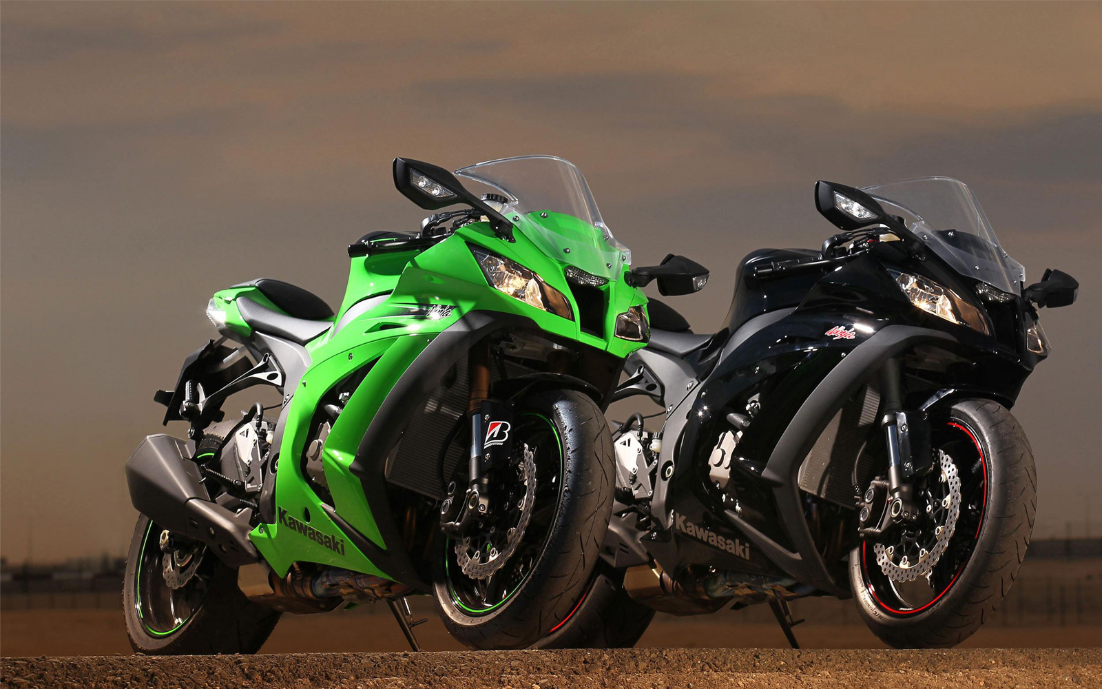 http://4.bp.blogspot.com/-OyX3Mv5uB5A/ULs77e_cCEI/AAAAAAAAXkI/XnFTTr70_ME/s1600/Kawasaki+Ninja+ZX-10R+19.jpg
