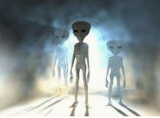 Alien abduction grey aliens (http://thealientheories.blogspot.com)