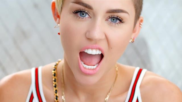 Miley Cyrus en tu Patio Trasero