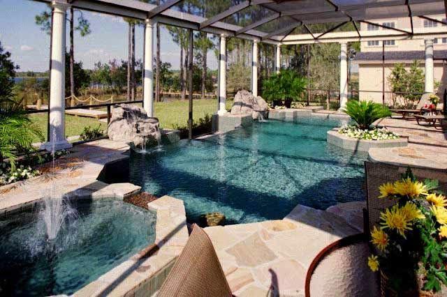 dekorasi taman kolam renang dihalaman samping rumah dengan