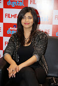 shruti haasan latest photos-thumbnail-17