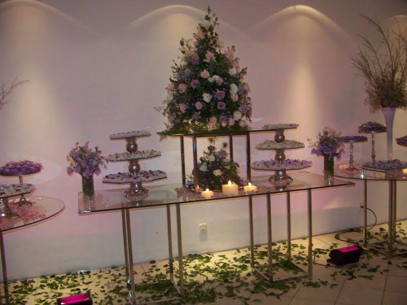 Mimo Forminhas Mesa decorada Lilás com branco Forminhas noiva e