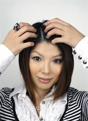 Rambut Berketombe : Penyebab dan Cara Mengatasinya