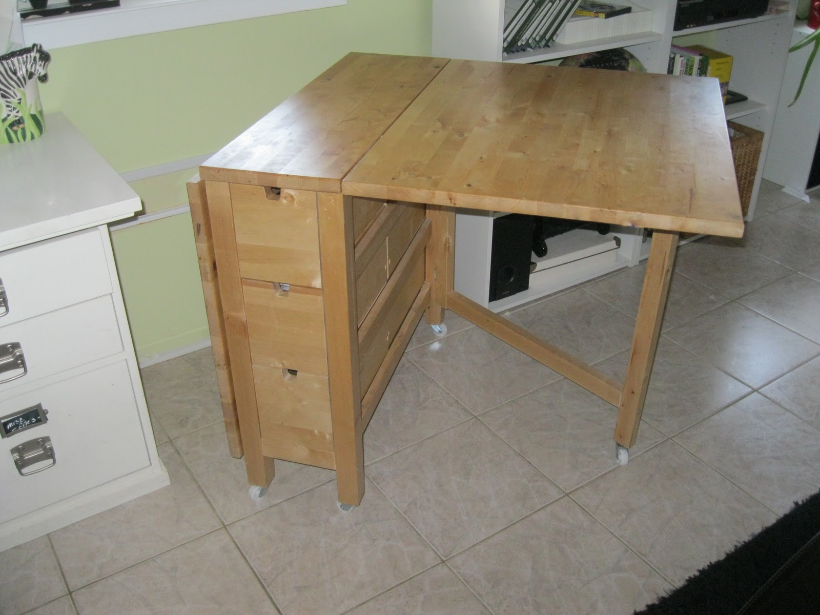 Nagle5 news new craft table for Fold up craft table
