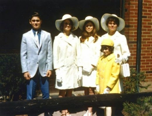 jaguarjulie and siblings with mom at easter 1969