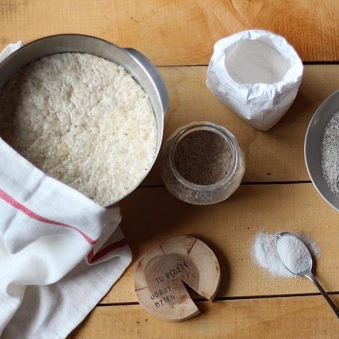 Ciemny żytni chleb polski (Dark silesian rye)