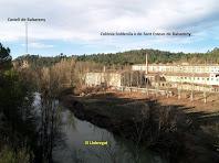 La Colònia de Sant Esteve amb el Castell de Balsareny al fons