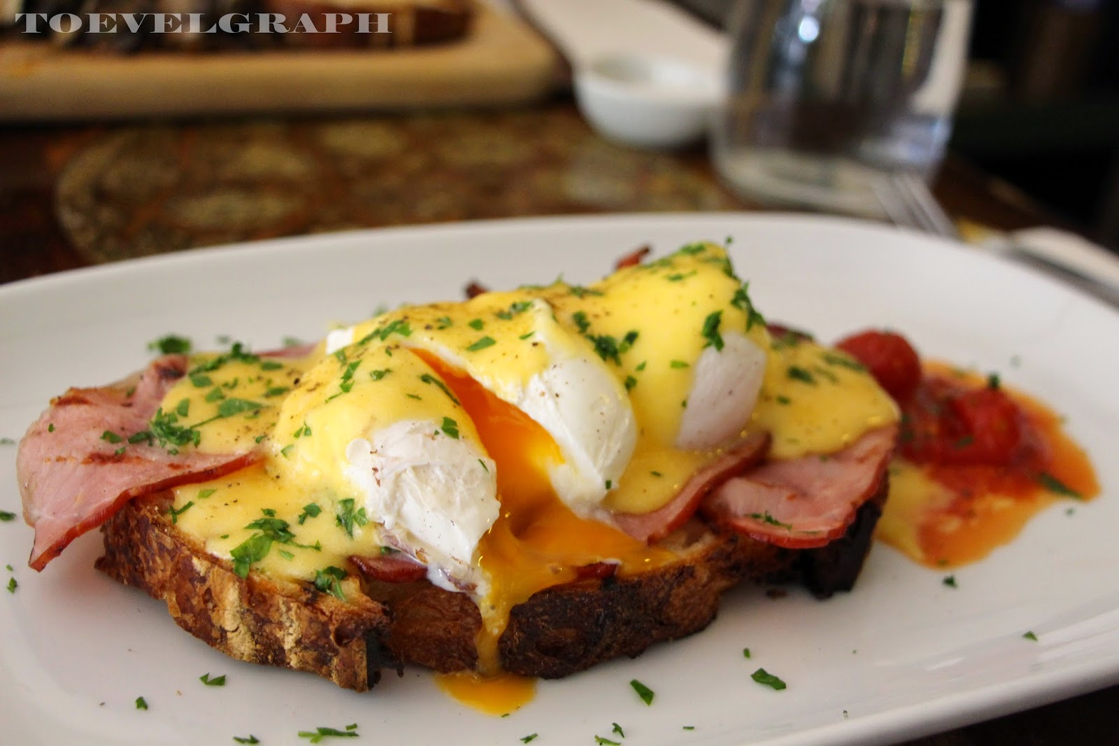 Egg Benedict (2 poached organic eggs on toast with Lucus premium bacon ...