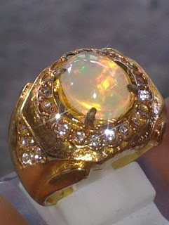 batu opal