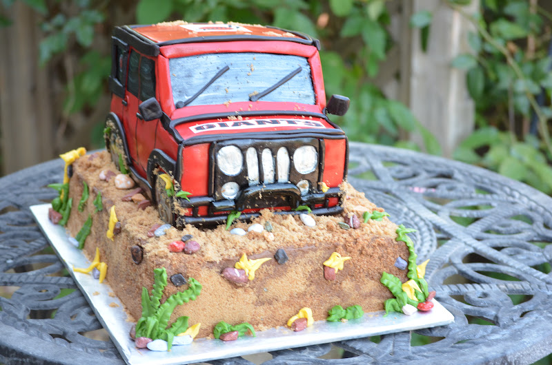 Traylor Made Treats Jeep Cake